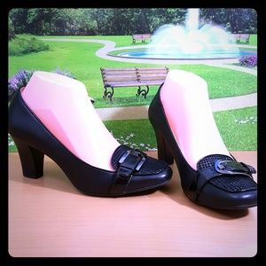 Anne Klein iflex Fabrice Black Leather Buckle Shoe